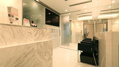 三宮アップル歯科7F 待合室